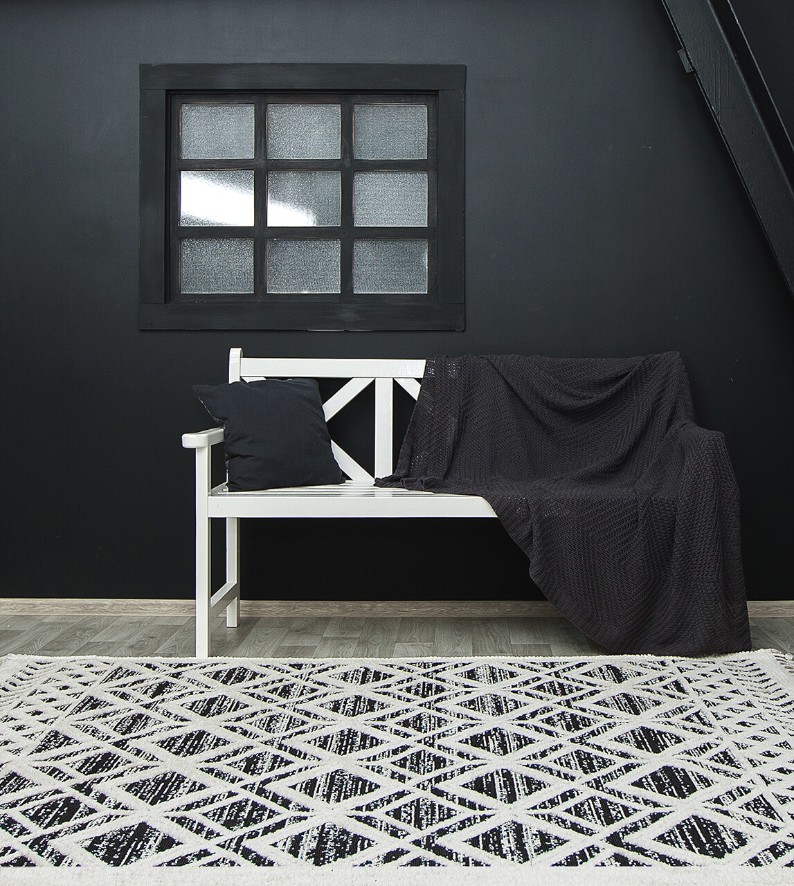 Ковер BILBAO Y584A 1,6Х2,3 Черный с белым прямоугольник