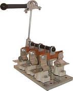 Рубильник РЕ 1937  311400 400А с правой рукояткой вынесенной на переднюю панель щита