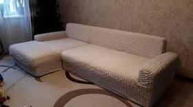 Чехол на угловой диван c выступом (оттоманкой), натяжной, жатка-креш, универсальный, cветло-бежевый