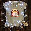 Жіноча футболка з принтом - Ведмедики біля каміна XS