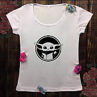 Женская футболка  с принтом - Малыш Йода Ч/Б
