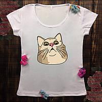 Женская футболка  с принтом - Удивленный кот