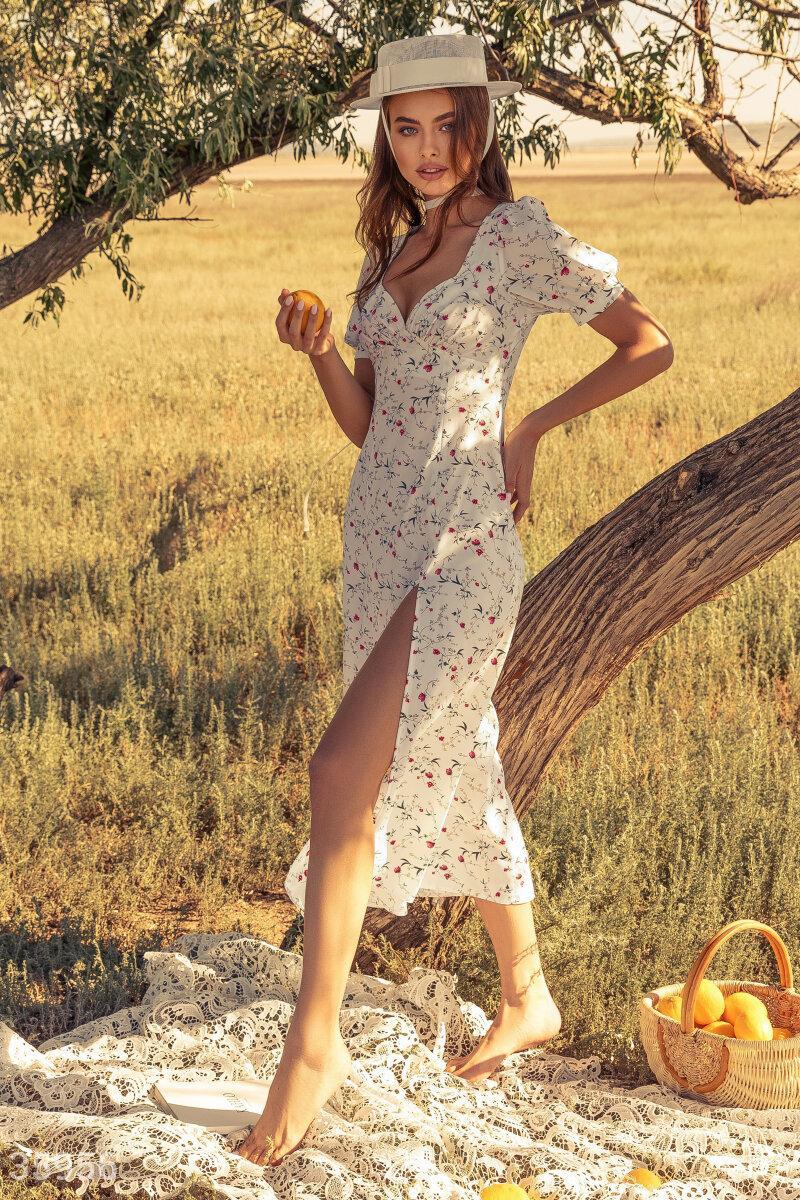 Цветочное платье макси белое