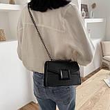 Женская классическая сумочка кроссбоди на цепочке ремешке черная, фото 4