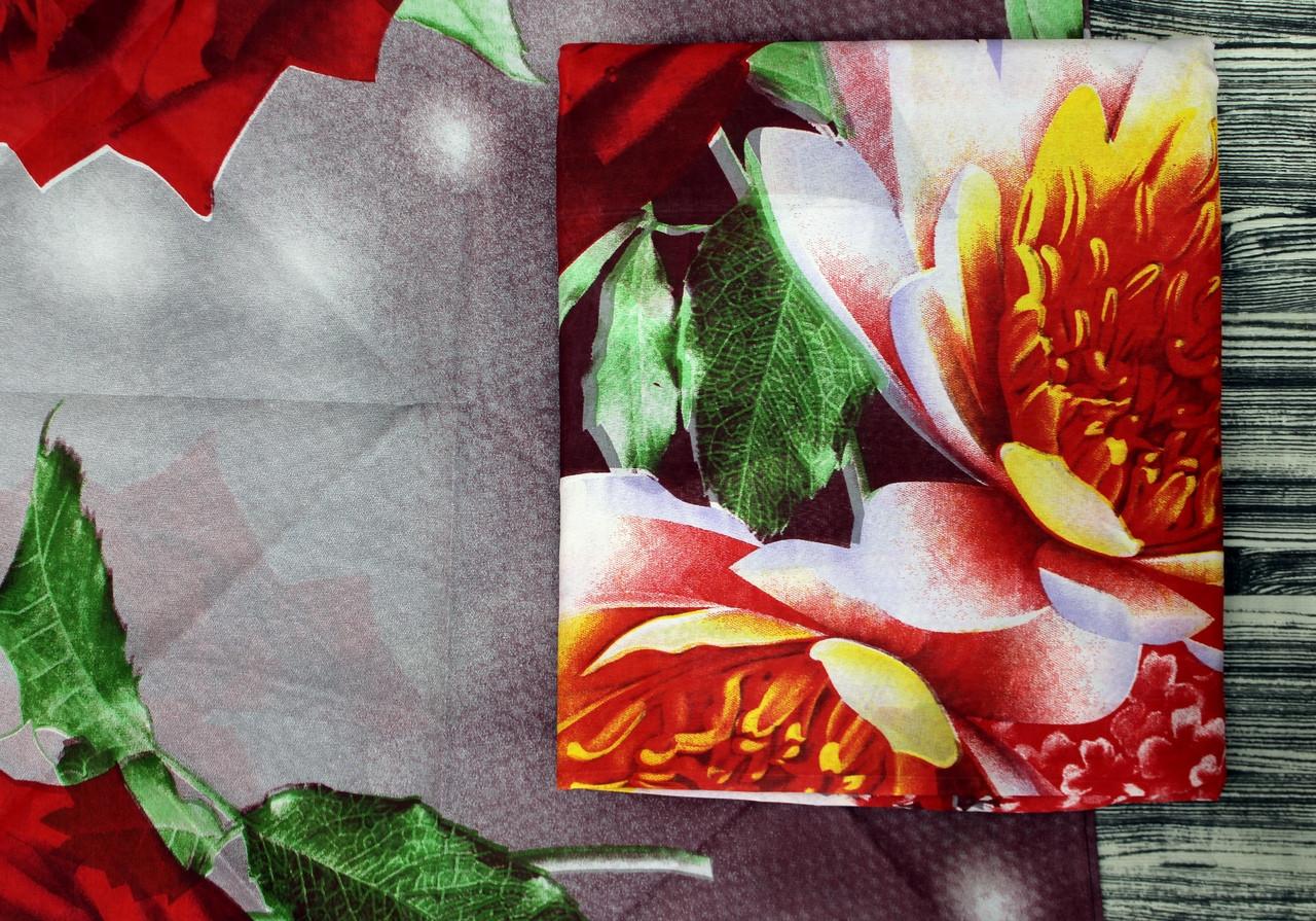 Красивое светлое постельное белье с розами