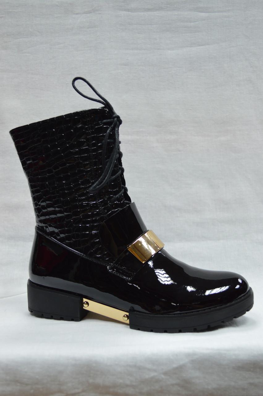 Стильные черные лакированные ботинки Erisses на низком каблуке со шнурками и молнией. Маленькие размеры.