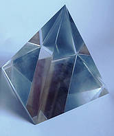 Пирамида хрустальная  8*8*8 см