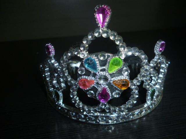 Корона карнавальная, 12*13 см, дизайн в ассортименте (461769)