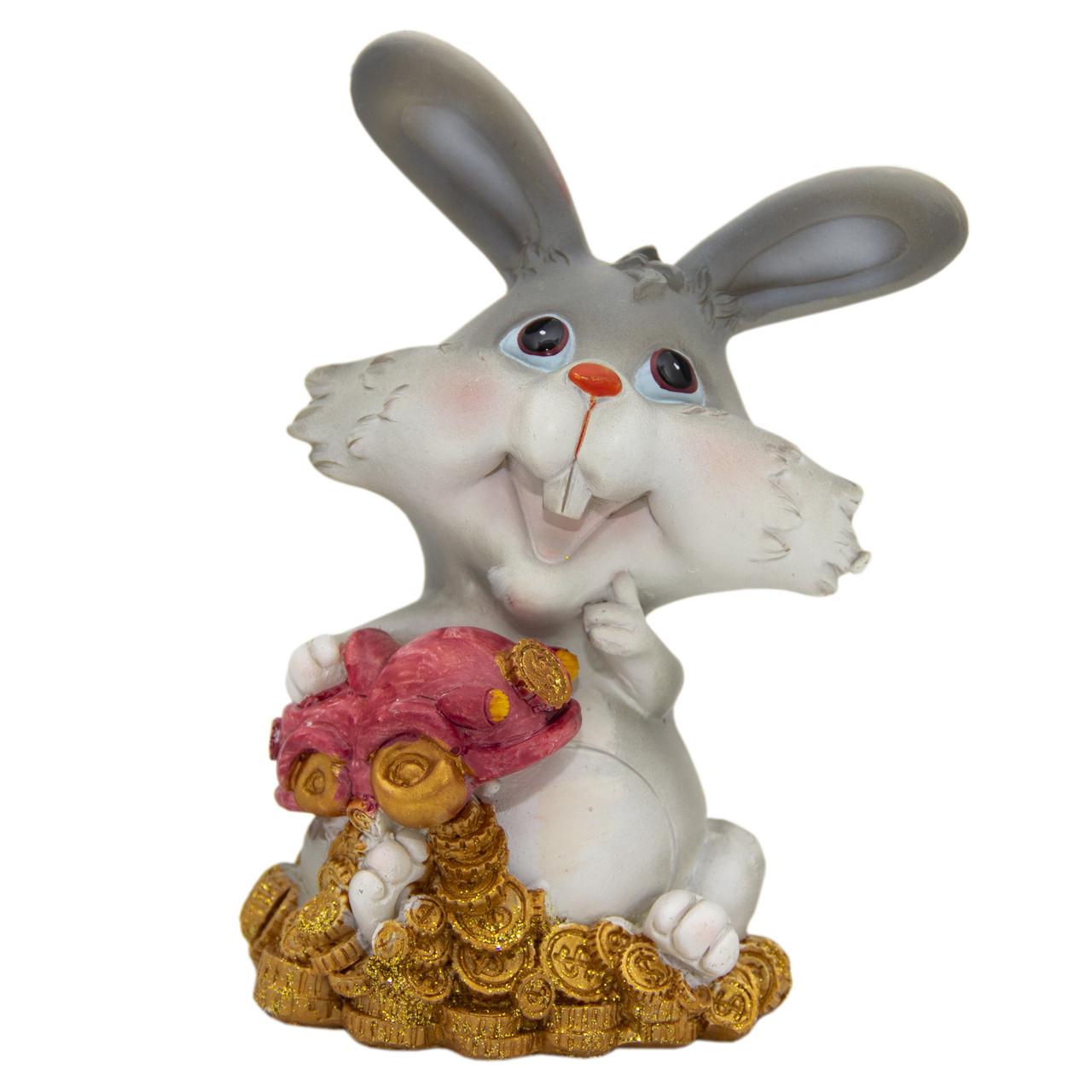 Фигурка сувенирная Кролик-копилка с машиною, 14см (440405-1)