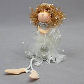 Новогодняя елочная игрушка - фигурка Ангелочек с сердцем, 20 см, белый, текстиль (220068-3)