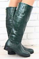 Шикарные сапоги без каблука  зелёная кожа