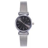 Женские наручные часы серебряные с черным циферблатом