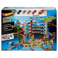 Трек Hot Wheels Легендарный гараж с вертолетом и подъемниками на 36 мест Hot Wheels Mattel