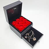 Подарочная коробка Шкатулка с алыми розами из мыла и кулон I Love You на 100 языках Романтический подарок Золотистый
