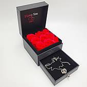 Подарочная коробка Шкатулка с алыми розами из мыла и кулон I Love You на 100 языках Романтический подарок Серебристый