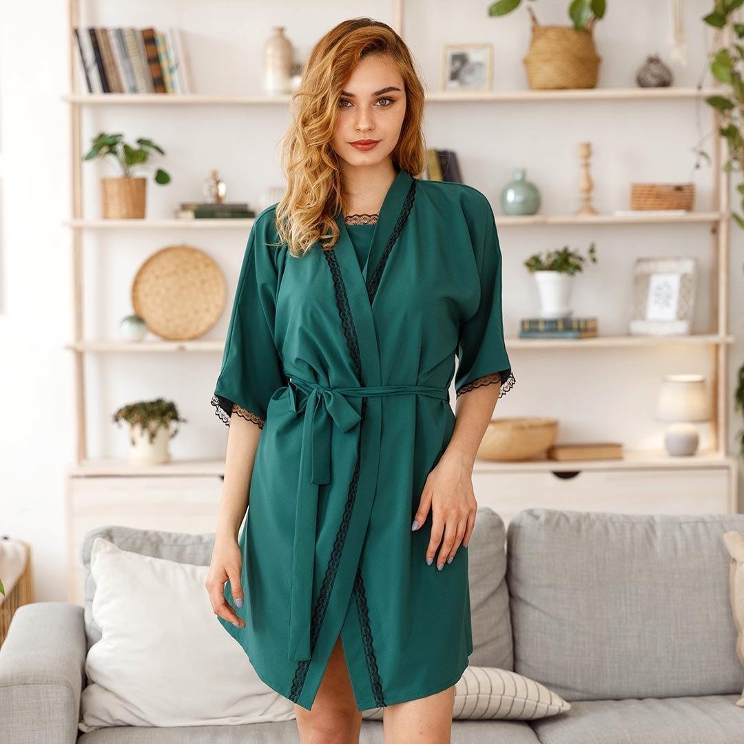 Халат женский с поясом зеленого цвета