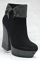Черные  модельные замшевые  ботинки MALROSTTI на каблуке и платформе , фото 1