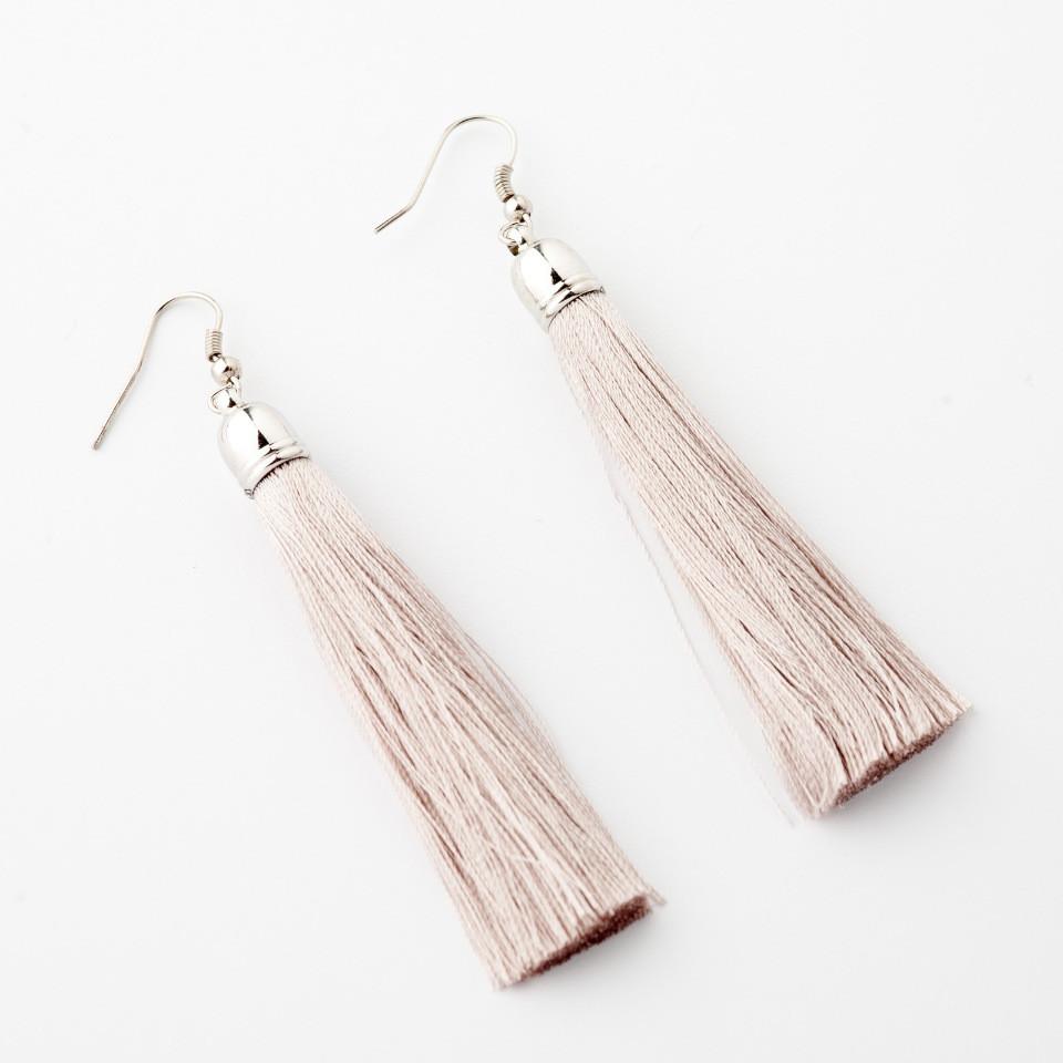 """Сережки Кисті світло сірий L - 8см колір металу """"срібло"""""""