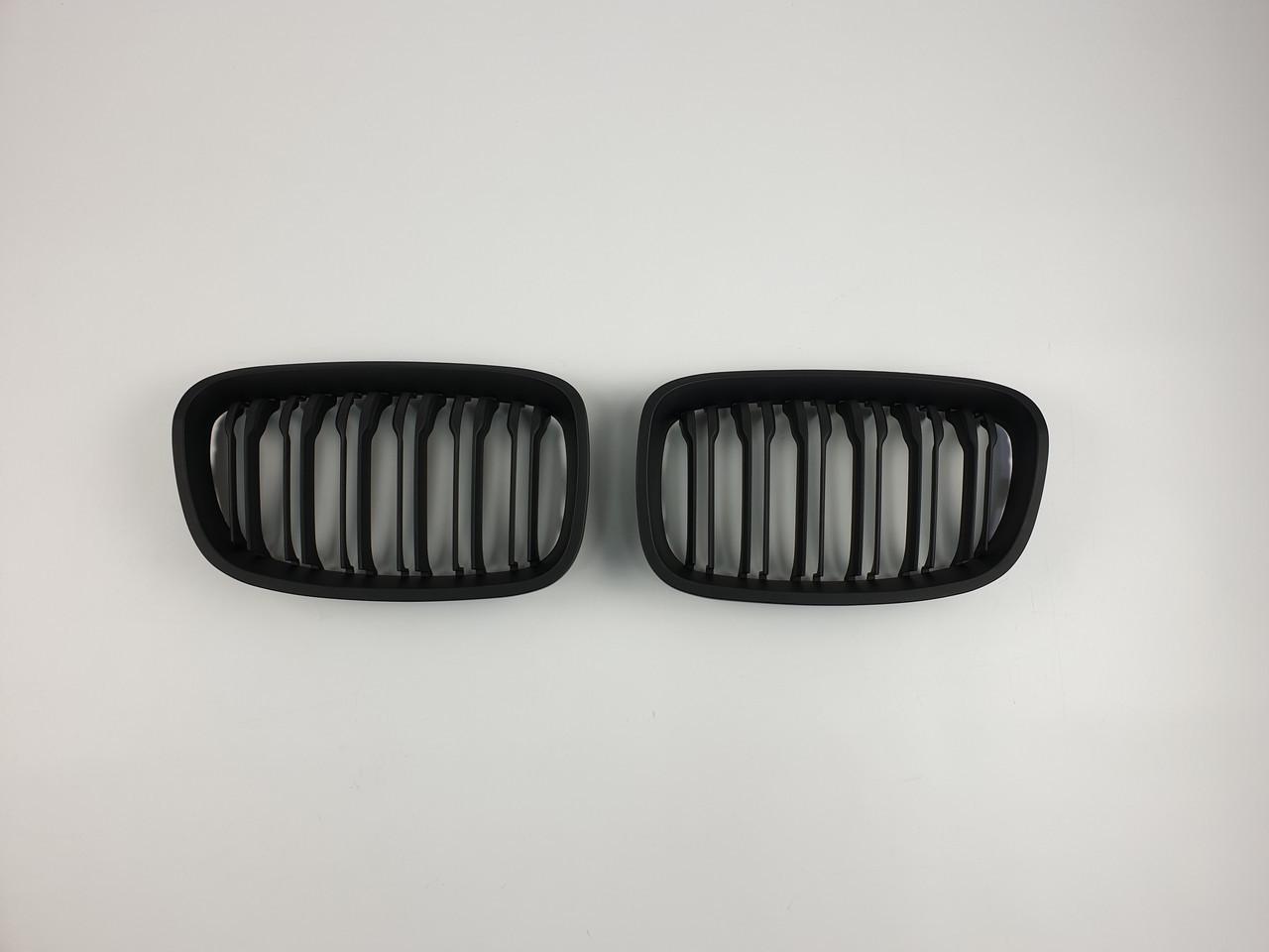 Решетка радиатора Тайвань BMW 1 Series стиль F20 2012-2014 год ноздри Черный мат (hub_oQLR13809)