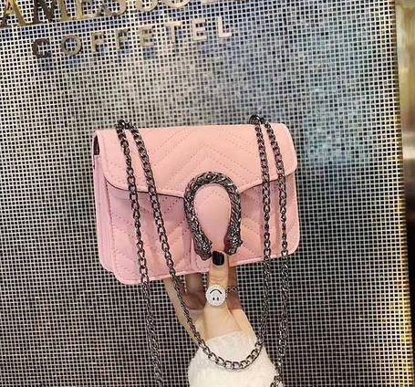 Замечательная сумка клатч на цепочке, фото 2