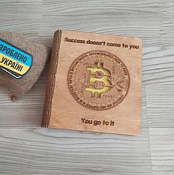 """Деревянный блокнот """"Биткоин"""" (на цельной обложке с ручкой), ежедневник из дерева для мужчины, женщины"""