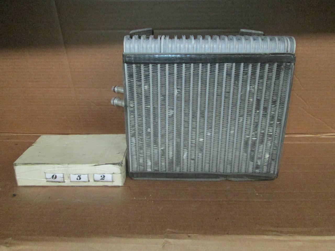 №52 Б/у радіатор кондиціонера 7L0820102M для VW Touareg 2002-2010