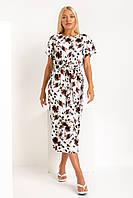 Прилегающее сиреневое льняное платье с розами длины миди