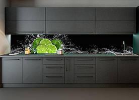 """Скинали на кухню Zatarga """" Лаймы и брызги воды"""" 600х2500 мм черный виниловая 3Д наклейка кухонный фартук"""