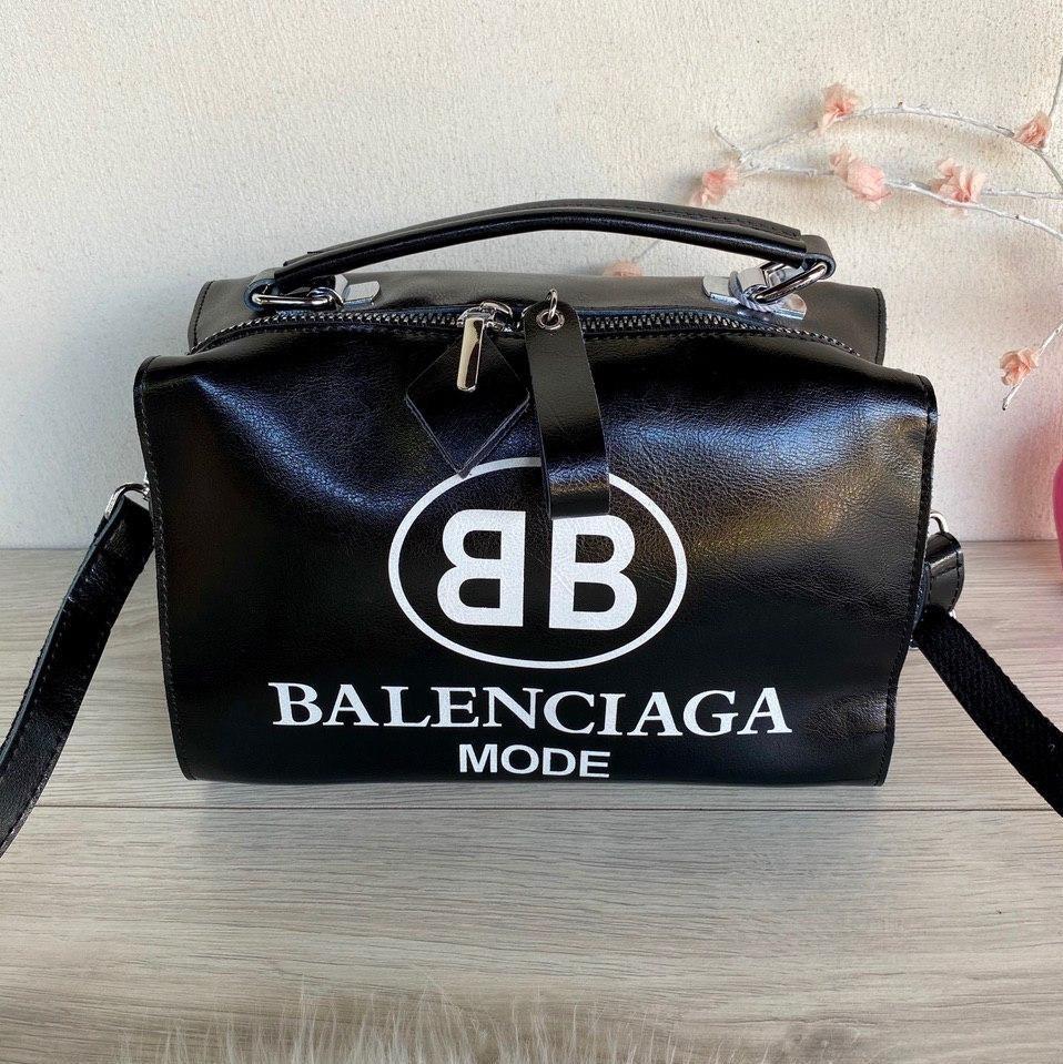 Сумка Balenciaga Nice с длинным ремешком из натуральной кожи черная женская