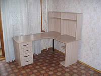 Стол компьютерный с надстройкой
