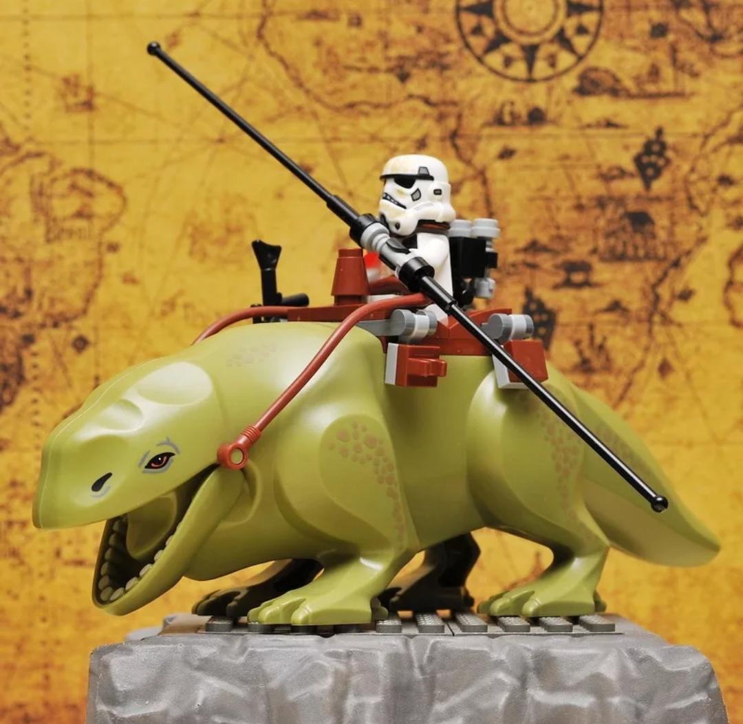 Dewback Star Wars Рососпинник Зоряні війни