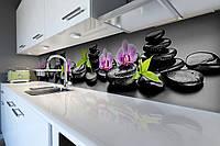 Вініловий кухонний фартух Чорні камені (скіналі для кухні наклейка ПВХ) Орхідеї квіти булижники Сірий, фото 1