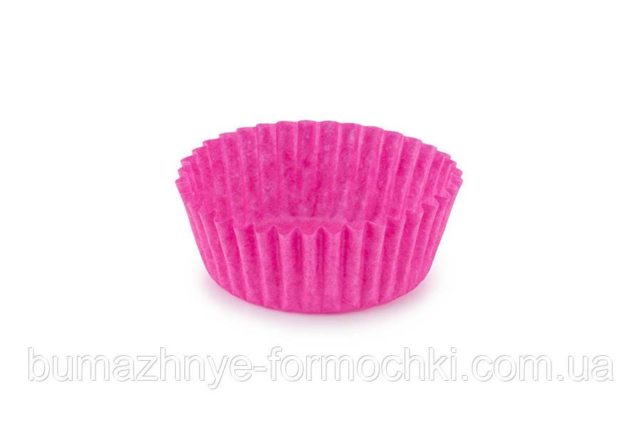 Паперові одноразові формочки для цукерок рожеві, 30х16 мм