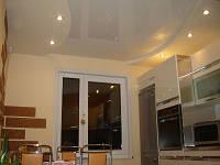 Двухуровневый потолок в кухне