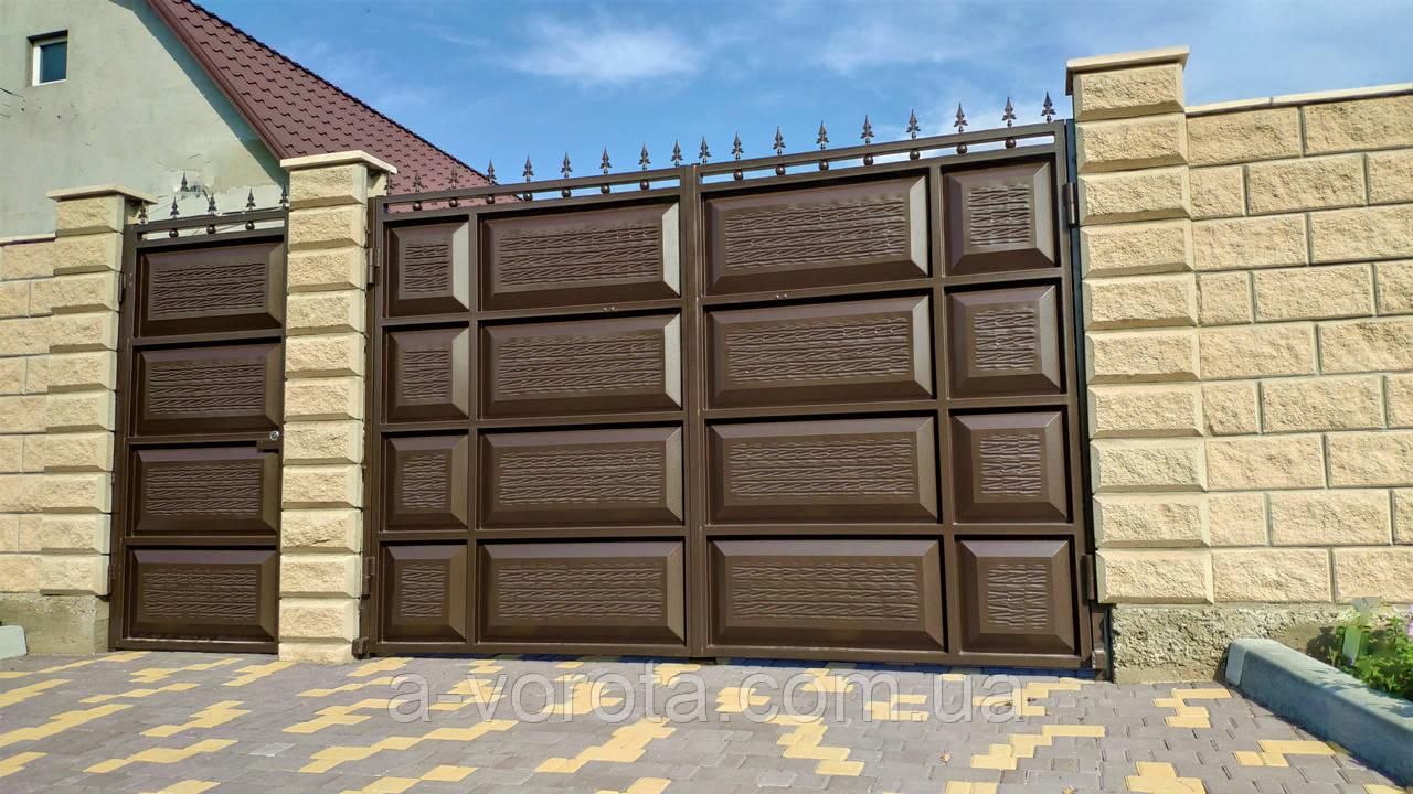 Распашные металлические ворота шоколадка ш3500 в2150 (дизайн филёнка-жатка+шарики и пики)
