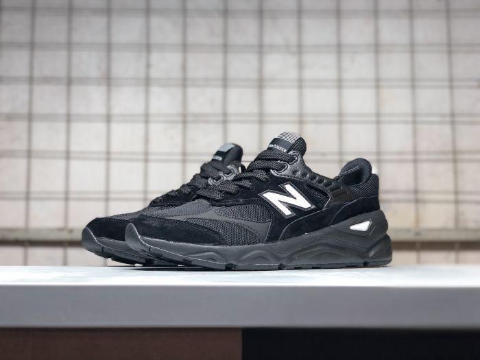 Стильные кроссовки New Balance Х90