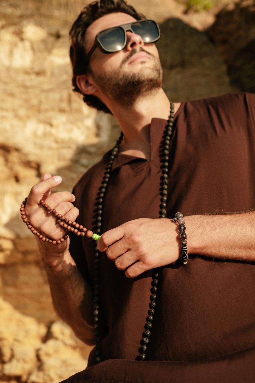 Классная легкая комфортная мужская рубашка коричневого цвета из штапеля.