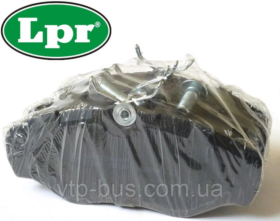 Гальмівні колодки передні на Renault Trafic / Opel Vivaro / Nissan Primastar з 2001...LPR (Італія), LPR05P869