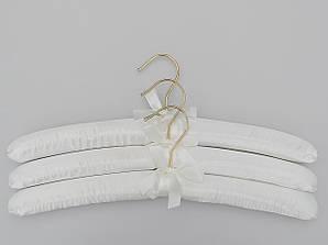 Длина 38 см. Плечики сатиновые мягкие крючок золото белые, 3 штуки в упаковке