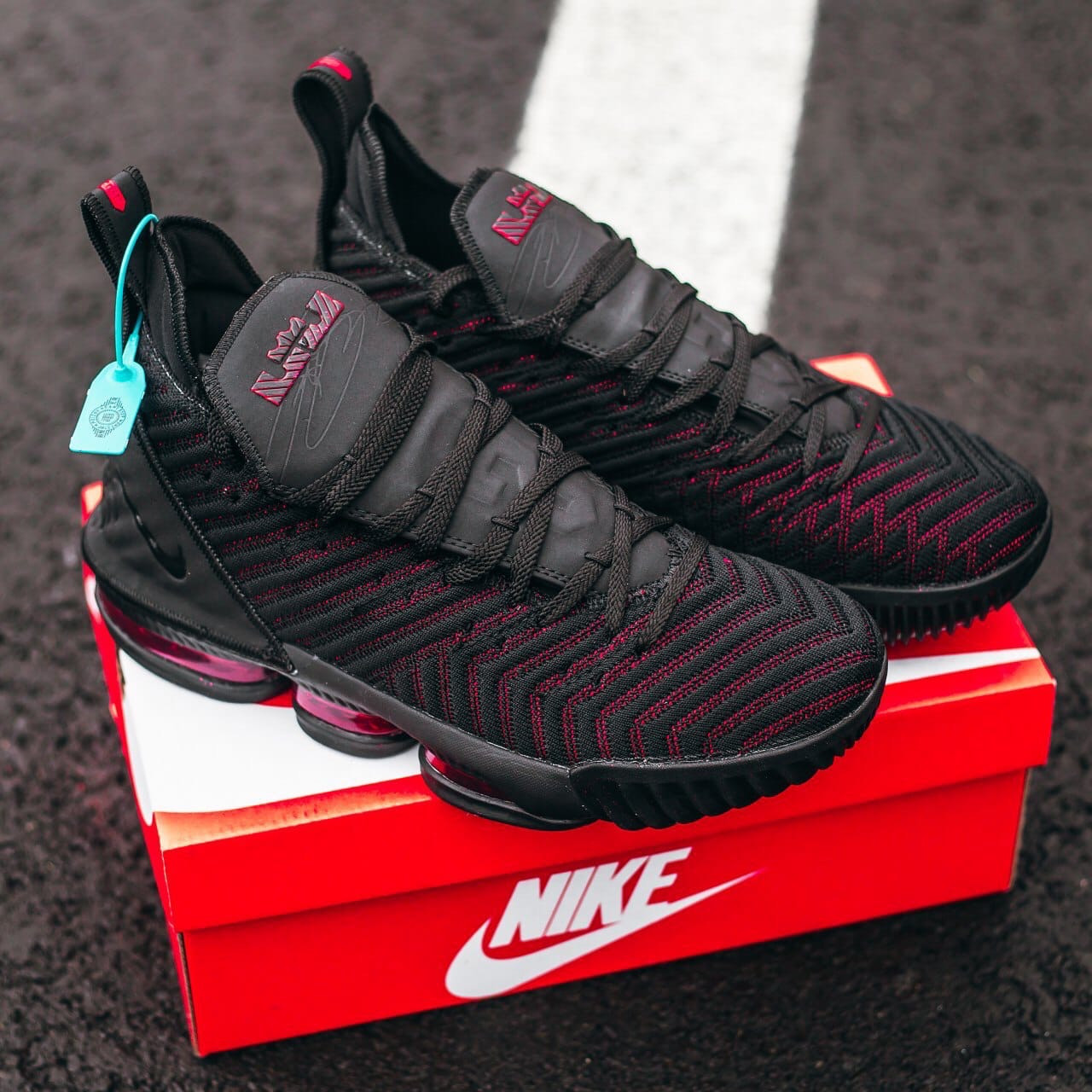 Мужские черные Кроссовки Nike Lebron 16
