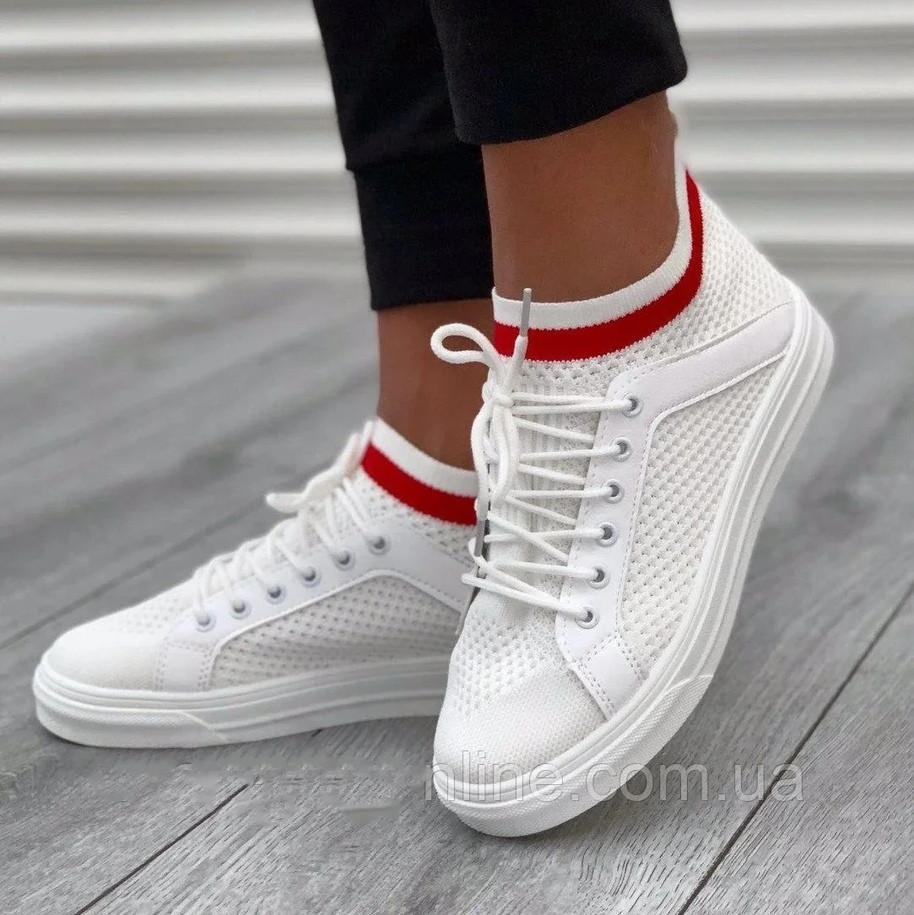Стильные женские кроссовки белые летние