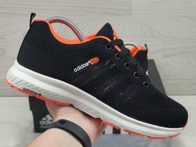 Женскиев, подростковые кроссовки Adidas