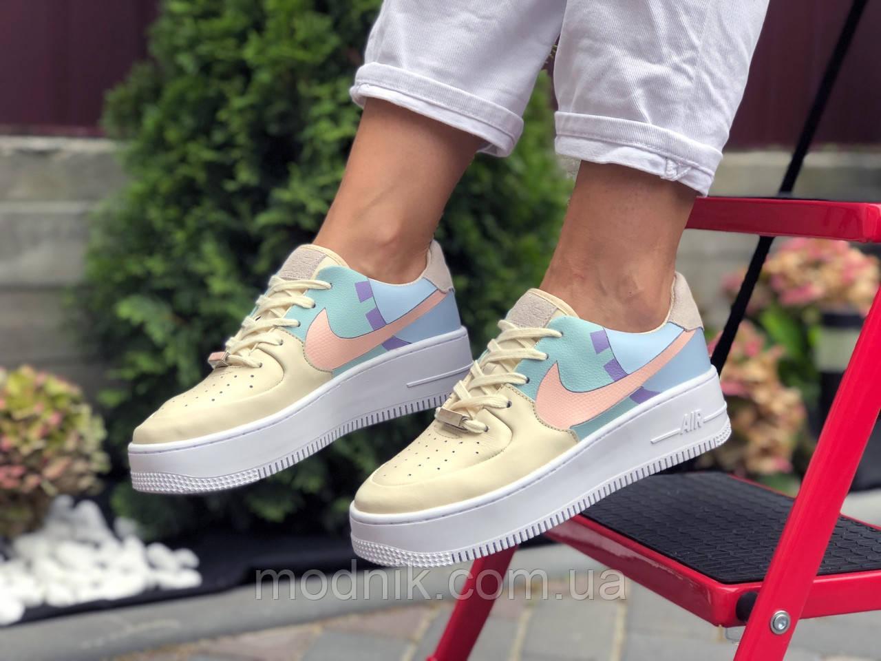 Женские кроссовки Nike Air Force 1 (бежево-голубые) 9677