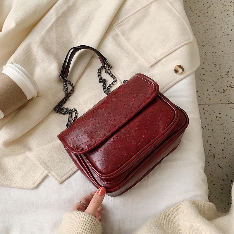 Женская большая классическая сумочка через плечо на два отдела красная