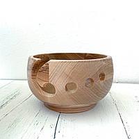 Клубочница деревянная для вязания светлая.