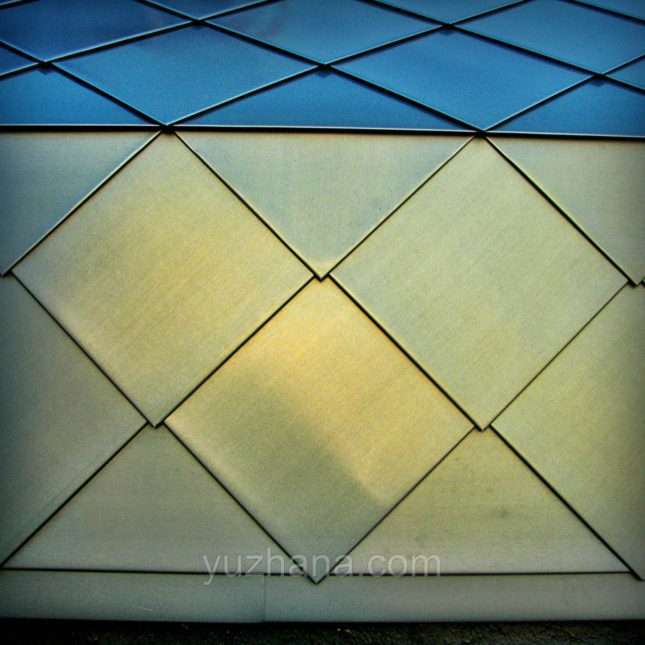Шашка плоская из цинк-титана Цинк-титановые ромбы Шашки кровельная Монтаж даху з пласкіх ромбів