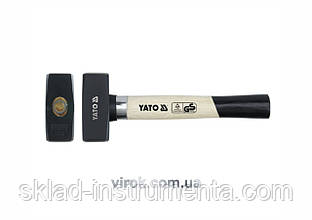 Кувалда YATO 1.5 кг 260 мм