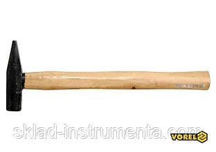 Молоток слюсарний VOREL з дерев'яною ручкою 200 г