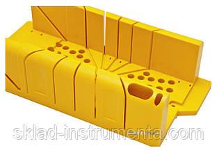 Стусло з полістиролу з ножівкою і фіксаторами STANLEY 220 х 80 х 40 мм