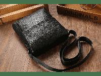 Мужская кожаная сумка через плечо -незаменимый аксессуар современного мужчины.